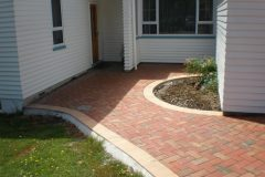 autumn-red-nubrik clay pavers path